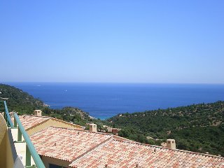 2 bedroom Villa in Cavalaire, Cote d'Azur, France : ref 2012680