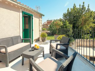 Beautiful apartment in old town with terrace, Korta 12****