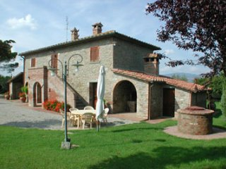 3 bedroom Villa in Cortona, Tuscany, Italy : ref 2020464