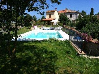 3 bedroom Villa in Cortona, Tuscany, Italy : ref 2020473