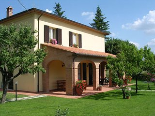 4 bedroom Villa in Cortona, Tuscany, Italy : ref 2020485
