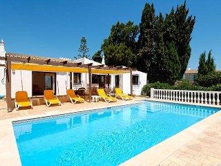 3 bedroom Villa in Carvoeiro, Algarve, Portugal : ref 2022379