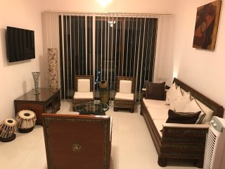 MUMBAI - ANDHERI - 2 BEDROOM LUXURY APARTMENT