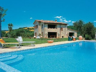4 bedroom Villa in Collazzone, Umbria, Perugia, Italy : ref 2037900, Collepepe