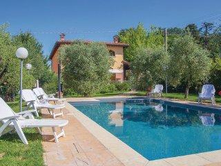 8 bedroom Villa in Arezzo, Tuscany, Arezzo / Cortona And Surroundi, Italy : ref