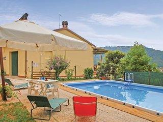 2 bedroom Villa in Camaiore, Tuscany Coast, Versilia, Italy : ref 2039449