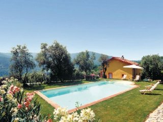 3 bedroom Villa in Monsagrati, Tuscany, Lucca, Italy : ref 2039603