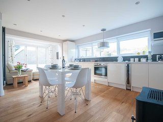 Spacious, bright, light and modern
