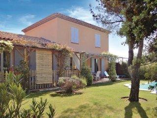 4 bedroom Villa in Mallemort, Provence drOme ardEche, Bouches-du-rhone, France