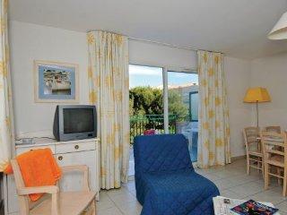 1 bedroom Apartment in Six Fours les Plages, Cote D Azur, Var, France : ref