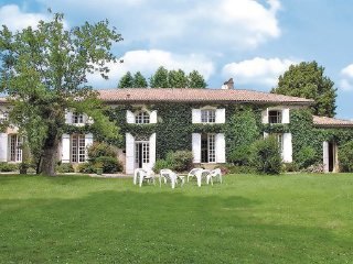 6 bedroom Villa in Aillas Le Grand, Aquitaine, Gironde, France : ref 2042339