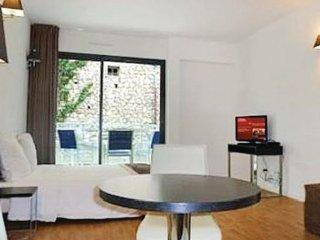 1 bedroom Villa in Beausoleil, Cote D Azur, Alps, France : ref 2042485, Montecarlo