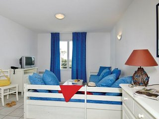 2 bedroom Apartment in Saint Aygulf, Cote D Azur, Var, France : ref 2042488