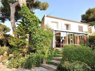 3 bedroom Villa in Sausset les Pins, Provence drOme ardEche, Bouches-du-rhone