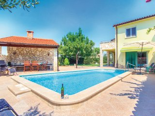 2 bedroom Villa in Banjole, Istria, Croatia : ref 2045384