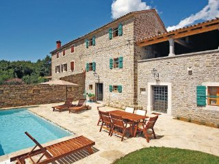 2 bedroom Villa in Groznjan, Istria, Croatia : ref 2046397