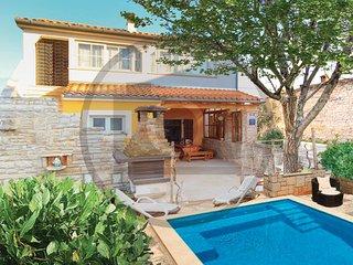 3 bedroom Villa in Duga Uvala Kavran, Istria, Duga Uvala, Croatia : ref 2046556