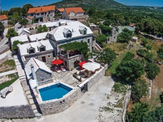 3 bedroom Villa in Brac, Central Dalmatia, Croatia : ref 2046611, Donji Humac
