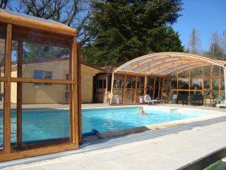 2  Bedroom Gite / Hot TUB/ Heated  indoor/outdoor  Swimming Pool, Langonnet
