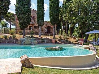 5 bedroom Villa in Torrita di Siena, Tuscany, Siena, Italy : ref 2089791