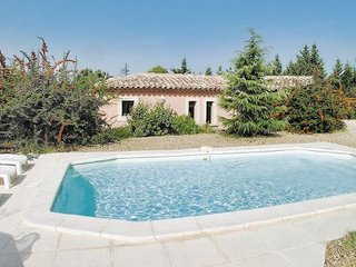 2 bedroom Villa in Cavaillon, Provence drOme ardEche, France : ref 2095691