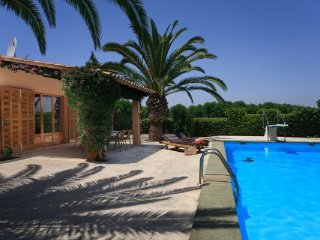 1 bedroom Villa in S'horta, Cala d'Or, Mallorca : ref 2132435