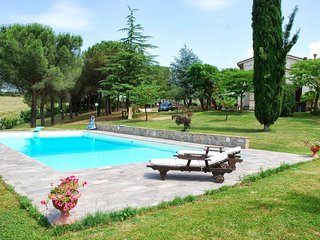 2 bedroom Apartment in Poggibonsi, Chianti, Tuscany, Italy : ref 2293997