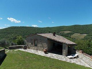 2 bedroom Villa in Gaiole in Chianti, Chianti, Tuscany, Italy : ref 2135208