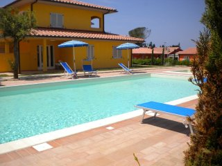 2 bedroom Apartment in Scarlino, Maremma Etruscan, Tuscany, Italy : ref 2135250