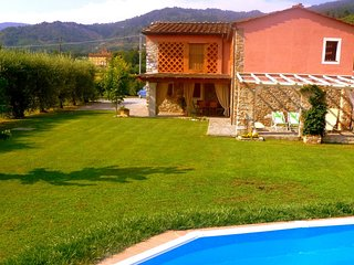 3 bedroom Villa in Lucca, Lucca And Surroundings, Tuscany, Italy : ref 2135307