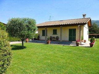 2 bedroom Villa in Marina di Pietrasanta, Tuscany, Italy : ref 5269763