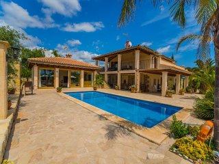 5 bedroom Villa in Lloseta, Mallorca, Mallorca : ref 2135550