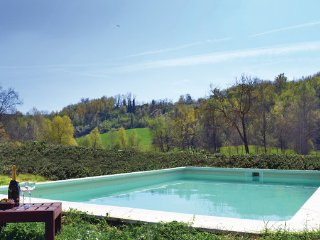 5 bedroom Villa in Monferrato, Piedmont Countryside, Italy : ref 2186686