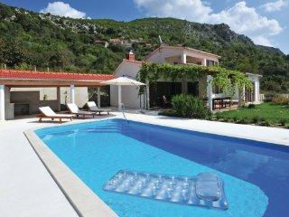 3 bedroom Villa in Omis-Blato na Cetini, Omis, Croatia : ref 2218949