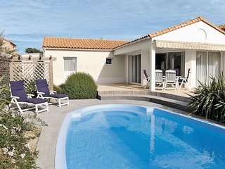 3 bedroom Apartment in Les Sables-d Olonne, Vendee, France : ref 2220020