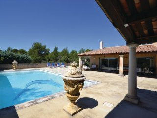 2 bedroom Villa in Joucas, Vaucluse, France : ref 2220107