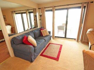 Nice 2/2 Vacation Rental Across from Ocean- Ocean Views from Large Deck B29, Myrtle Beach