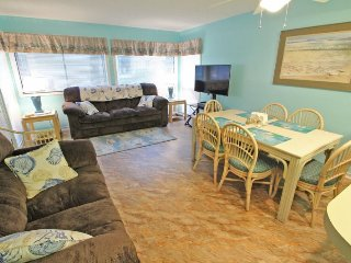 1st Floor Bright and Cheery, Just steps to the Pools and Beach!!12146, Arcadian Shores