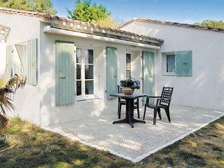 2 bedroom Villa in Ste Marie de Re, Charente Maritime, France : ref 2220499