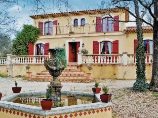 3 bedroom Villa in Neoules, Var, France : ref 2220633