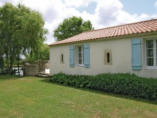 3 bedroom Villa in Grues, Vendee, France : ref 2220731