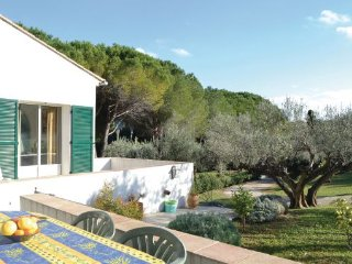 3 bedroom Villa in Toulon, Var, France : ref 2220914