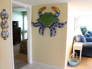 Nicely Decorated and Updated 2/2 Condo - 1 Block to the Beach- 2 Pools..4-113, Arcadian Shores