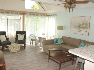 Awesome Condo - ONE Block to Beach!!! Just Renovated..10339, Arcadian Shores