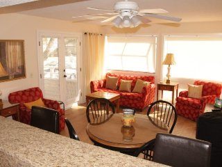 Newly Renovated Myrtle Beach Condo, 2 Pools, 1 Block to Beach 12-147