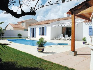 2 bedroom Villa in St-Jean-de-Monts, Vendee, France : ref 2221508, Saint-Jean-de-Monts