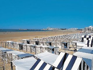 3 bedroom Apartment in Les Sables-d Olonne, Vendee, France : ref 2221512