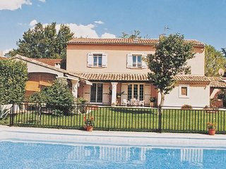 3 bedroom Villa in Orange, Vaucluse, France : ref 2221651
