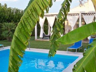 2 bedroom Villa in Marina Di Ragusa, Ragusa Area, Sicily, Italy : ref 2230277
