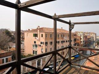 2 bedroom Apartment in Venice, Venezia, Veneto And Venice, Italy : ref 2230443